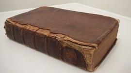 Un volume di fine '600 della biblioteca del Centro Studi Araldici