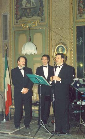 Da sinistra Domenico Cavazzoni Pederzini, Diego de Vergas Machuca e Pier Felice degli Uberti all'edizione 1990 del Ballo dei Cento e non più Cento