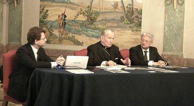 Da sinistra: Raffaele Coppola (rettore del Centro Studi Araldici), il cardinal Andrea Cordero Lanza di Montezemolo (araldista, già curatore dell'emblema araldico di SS Benedetto XVI) e Fabrizio Antonielli d'Oulx (Presidente di Vivant)
