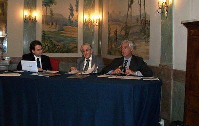 Foto Mario Coda: La tavola rotonda con Raffaele Coppola (Centro Studi Araldici), Luigi Borgia (Académie Internationale d'Héraldique), Enrico Antonielli d'Oulx (Vivant)
