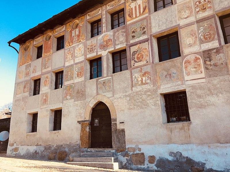Palazzo-del-Pretorio-in-Lottigna